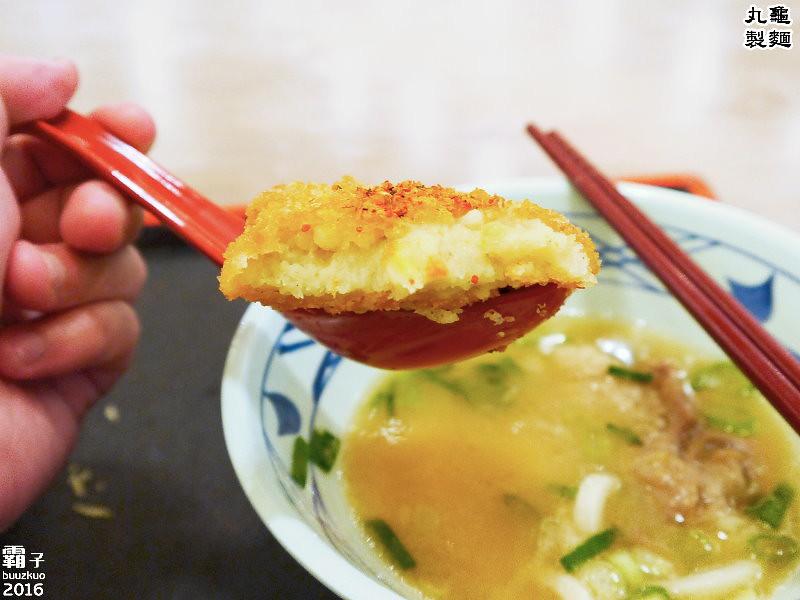 26056608352 2e1c91f430 b - 丸龜製麵,台中新光三越內也能吃到日本知名烏龍麵,湯頭好,烏龍麵Q彈有勁!