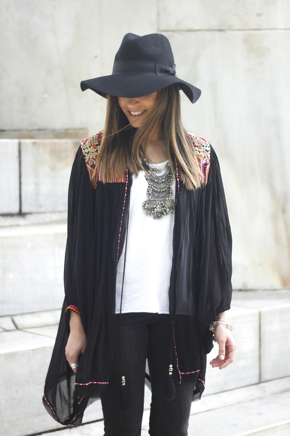 embroidered kimono flared jeans Hat Heels outfit style16