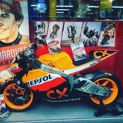 This is the window display directly under my apartment #normacomics #mm93 #barcelona #motogp #racingislife