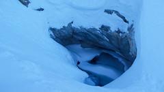 Tu dziurę pełną lodowatej wody musimy obejść górą tak, aby nie wpaść do środka.