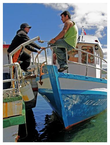 chile water boat haggling negotiations quellon settingaprice islagrandedechilon