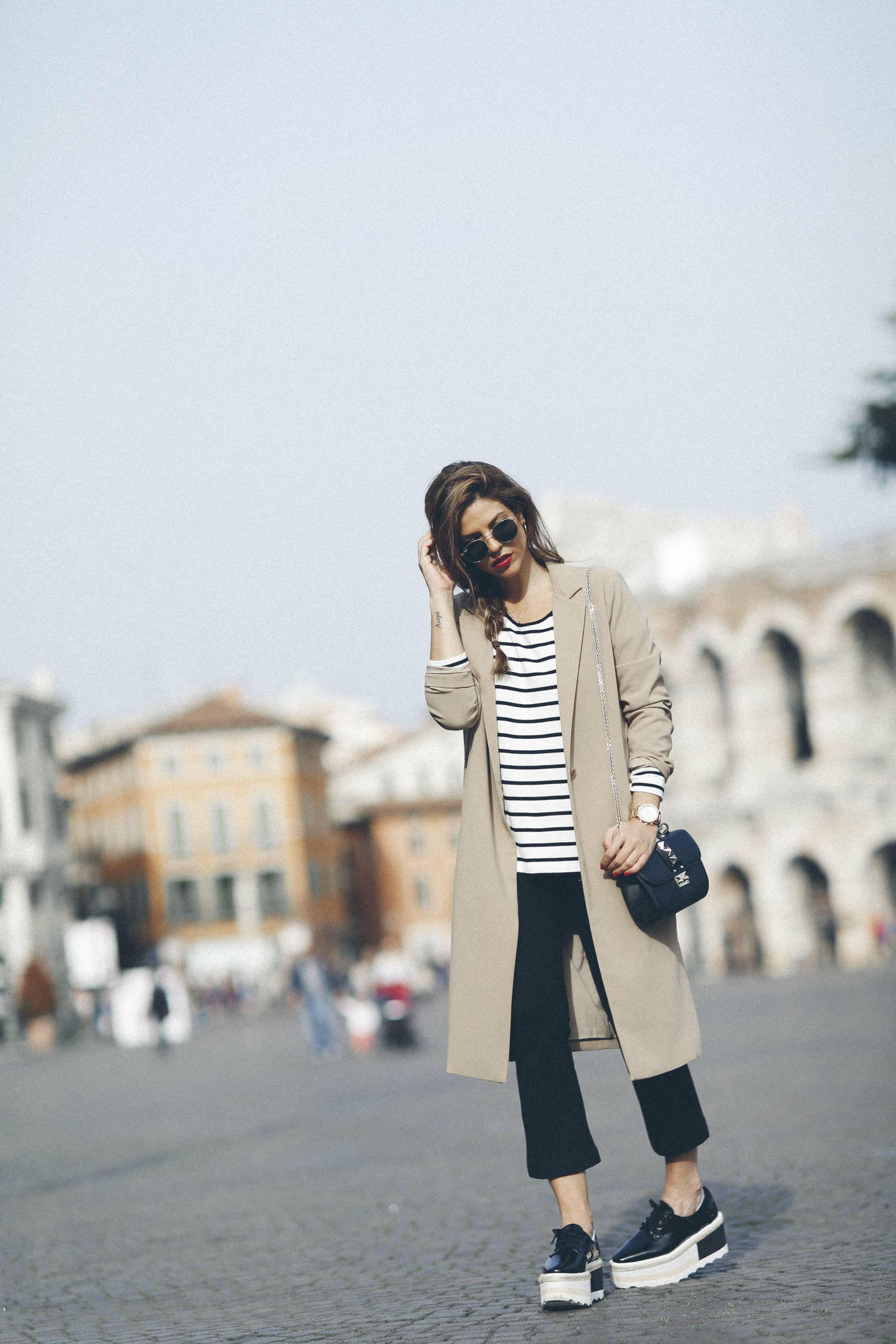 outfit look primavera spring rayas stripes zara mango valentino bolso bag blazer rayban verona street style trendy taste_8