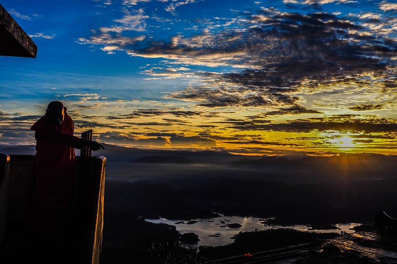P3312139 Vagamundos 16 Sri Lanka Adams Peak