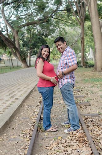 tren photoshoot pareja riel palmera hacienda embarazo embarazada rieles carreta maternidad haciendasantateresa prematernidad