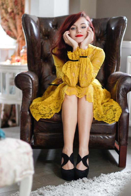 yellow lace10