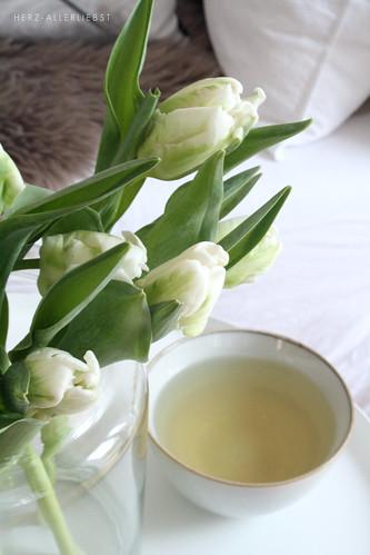 Tulpen und Tee