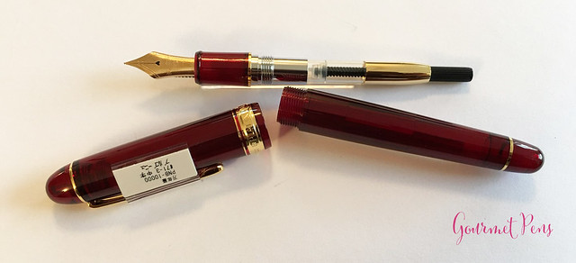 Review Platinum #3776 Century Bourgogne Fountain Pen - Soft-Fine @PenChalet @CarolLuxury (7)