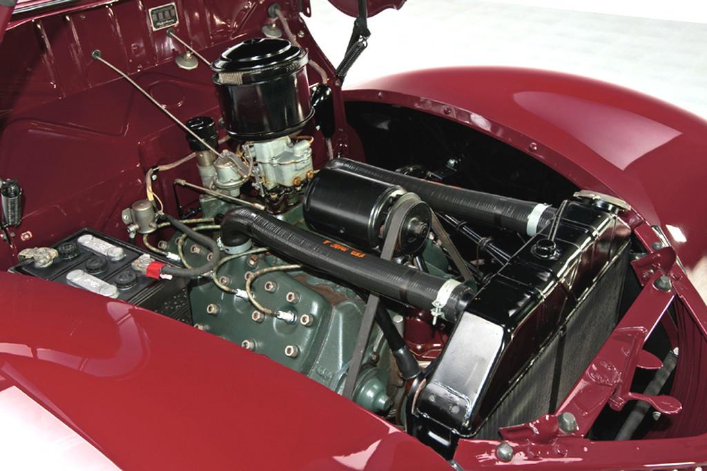 39017_K Ford Deluxe 221CI Flathead V8 3SPD Convertible Sedan_Burgundy