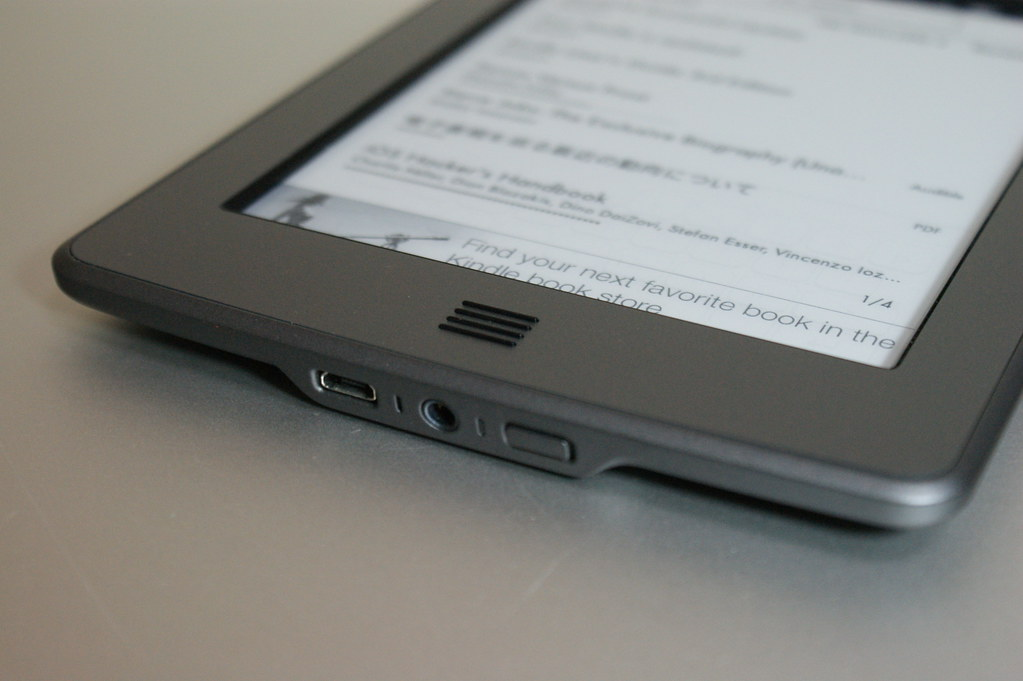 Kindle Touch (4th Generation) - Front - 2011