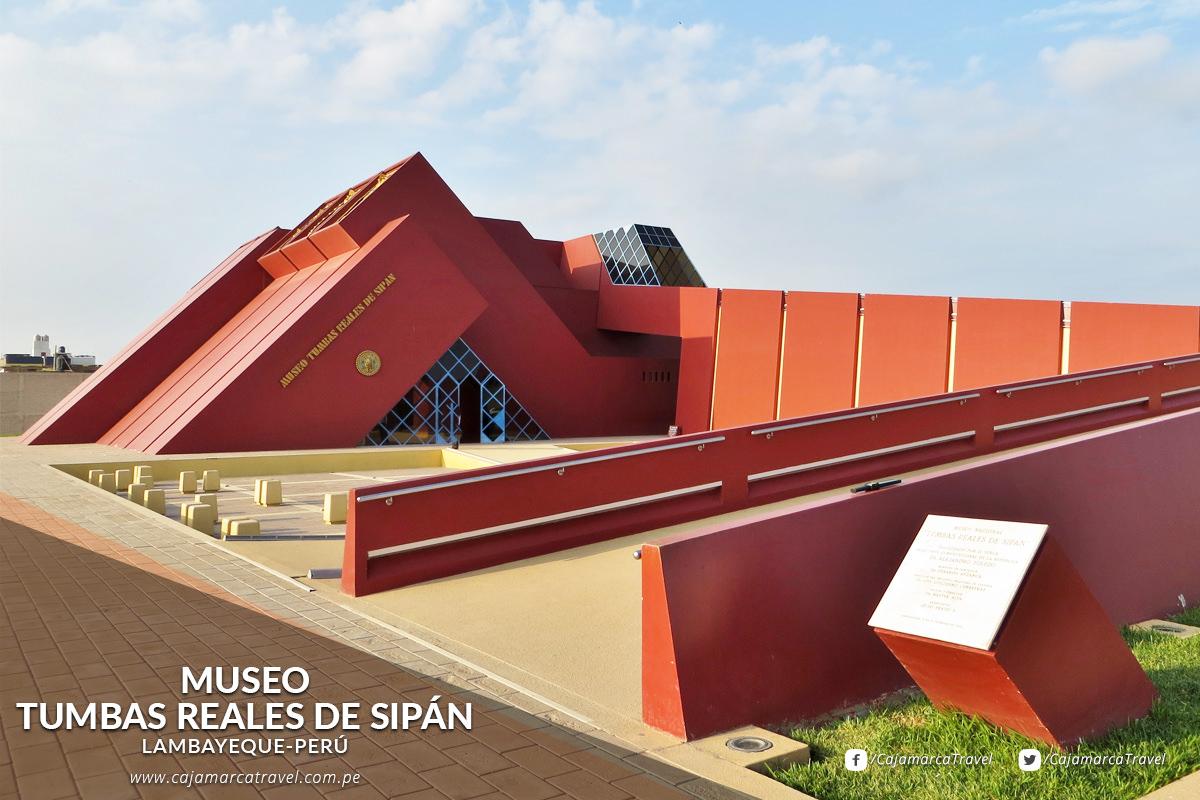 El Museo Tumbas Reales de Sipán alberga la fabulosa colección del Señor de Sipán hallados en Huaca Rajada.
