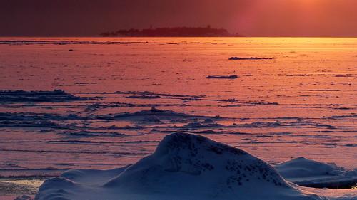 winter sunset sea sky snow finland geotagged helsinki january balticsea helsingfors fin lauttasaari 2016 uusimaa nyland 201601 ulkohattu 20160116 yttrehatten geo:lat=6014069343 geo:lon=2488961582