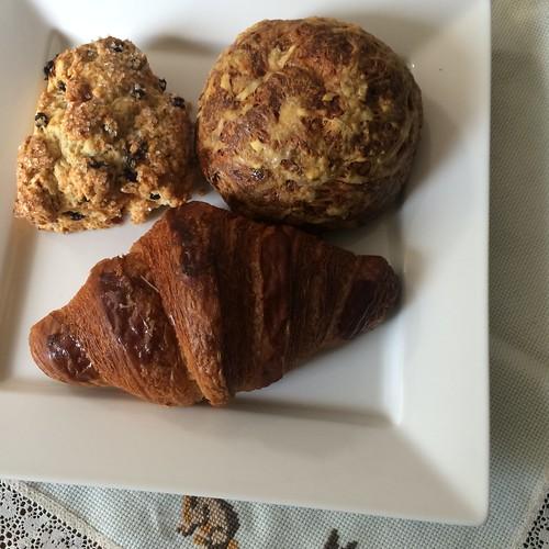 Croissant, Gougère, Buttermilk Scone (Tartine)