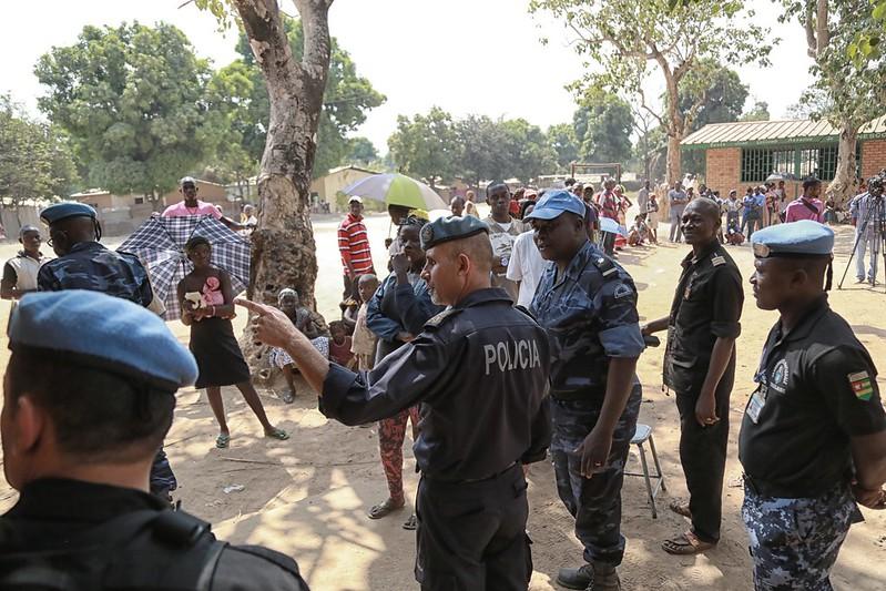 Intervention militaire en Centrafrique - Opération Sangaris - Page 21 23440643174_5959a44f52_c