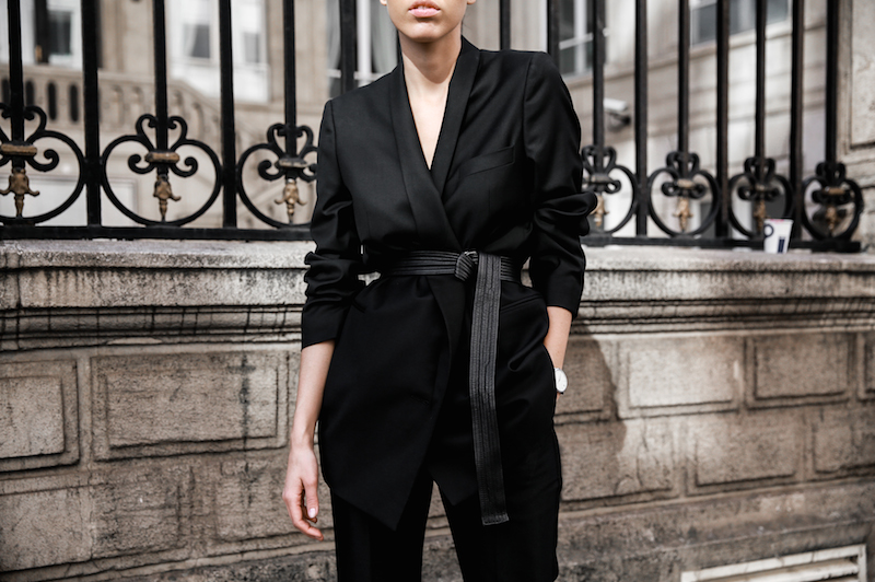 all black Paris fashion week street style Isabel Marant sneakers cropped kick flare Stella McCartney blazer Bassike belt modern legacy (7 of 8)