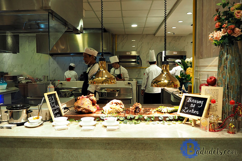carving station at four seasons buffet and hotpot