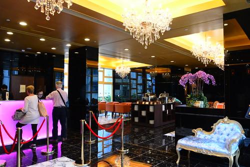 グランドシティホテルのフロント