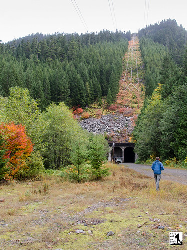 Snoqualmie Tunnel gives cyclists, riders cool new link | The ...