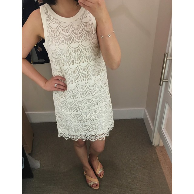 LOFT Scallop Lace Shift Dress, size 2P
