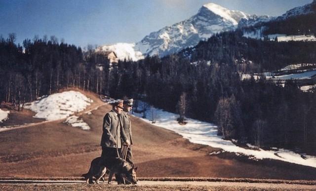 Cuộc tản bộ của Adolf Hitler gẫn dãy Berchtesgaden Alps
