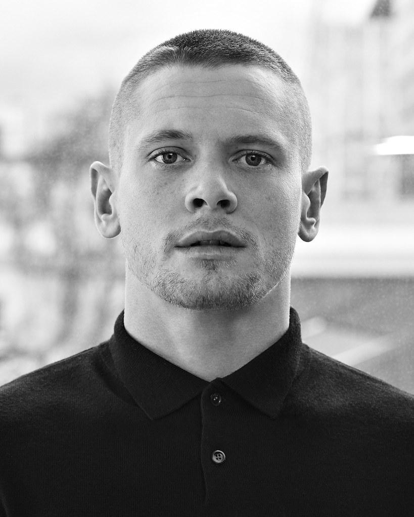 Джек О'Коннелл — Фотосессия для «Mr.Porter» 2016 – 5