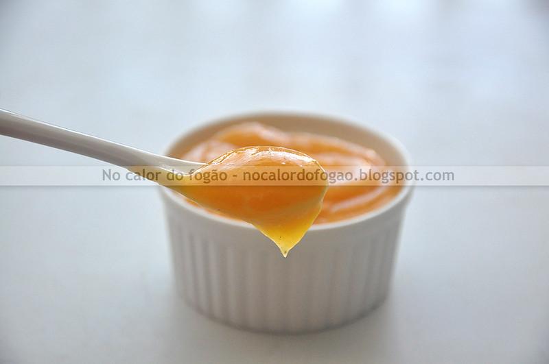 Passionfruit curd na colher