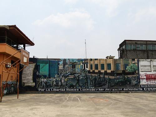 Léon: graffiti sur la Révolution