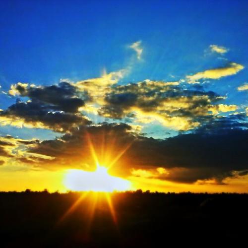 sunset kenya awesome hunters mobipic thika igers snapseed igdaily uploaded:by=flickstagram igafrica igkenya instagram:photo=629748049958988512227669921 instagram:venuename=delmontepineapplefarmland instagram:venue=181670444