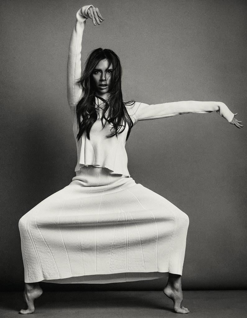 Виктория Бекхэм — Фотосессия для «Vogue» CH 2016 – 4