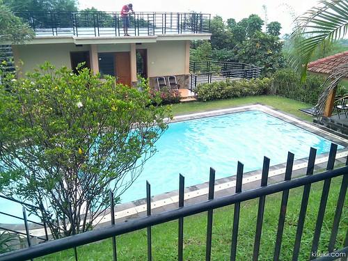 kolam-renang-villa