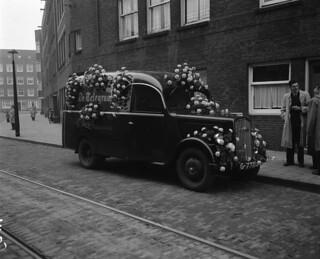 11-15-1952_11129E Auto van De Telegraaf