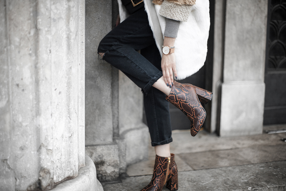 snake-skin-boots-70s-trend-street-style