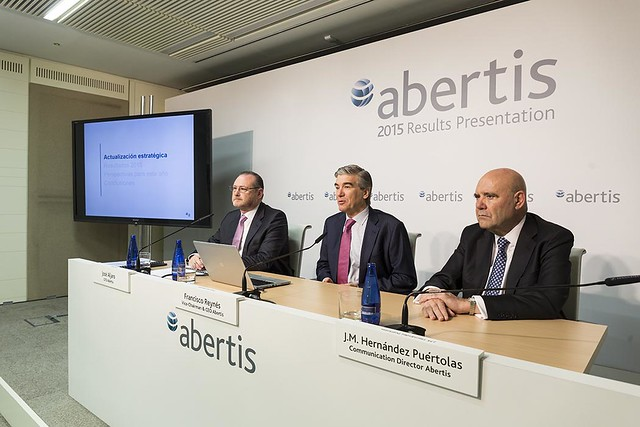 Presentación de resultados anuales 2015
