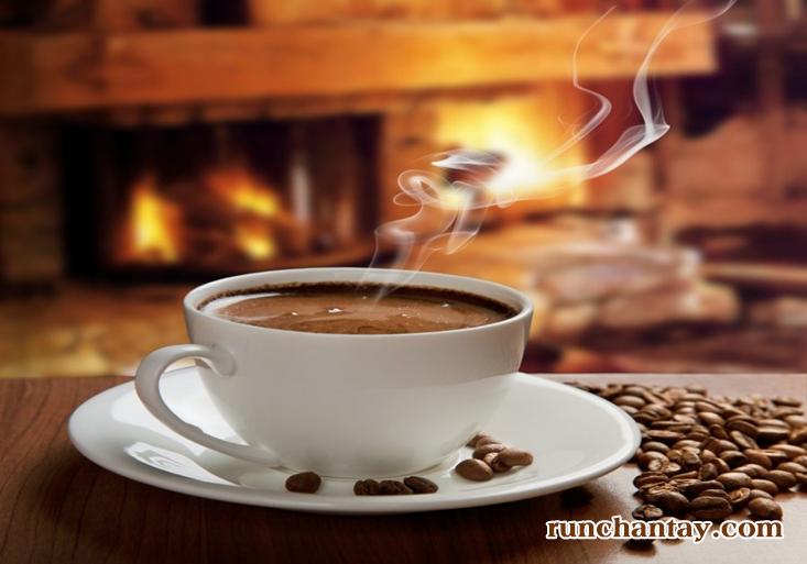 Su-dung-nhieu-caffeine-co-the-lam-nang-them-tinh-trang-run-tay