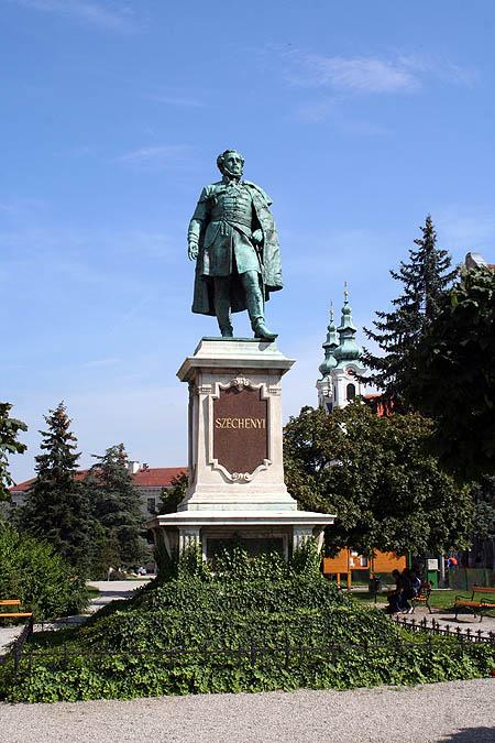 Plaza Széchenyi. © Paco Bellido, 2006