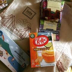 thank you eiko-san❤︎  #ghirardelli #honolulucookiecompany #kitkat #sf #hnl #japan #お土産