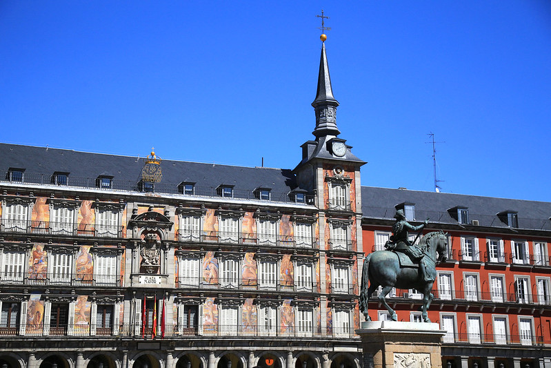 Plaza-Major-Madrid-architecture