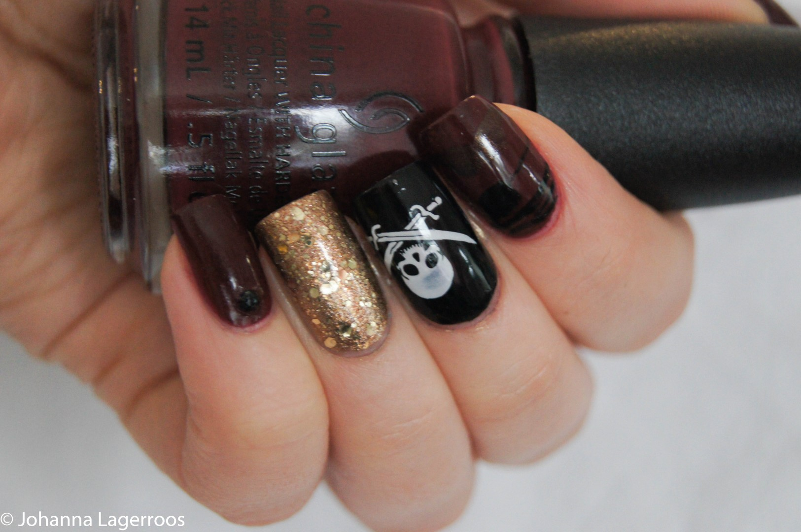 Pirate flag nails