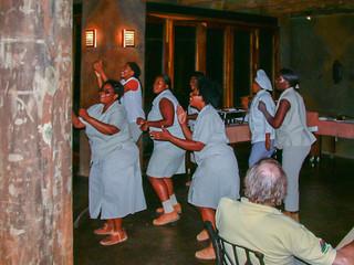 Tanzvorführung der Küchencrew
