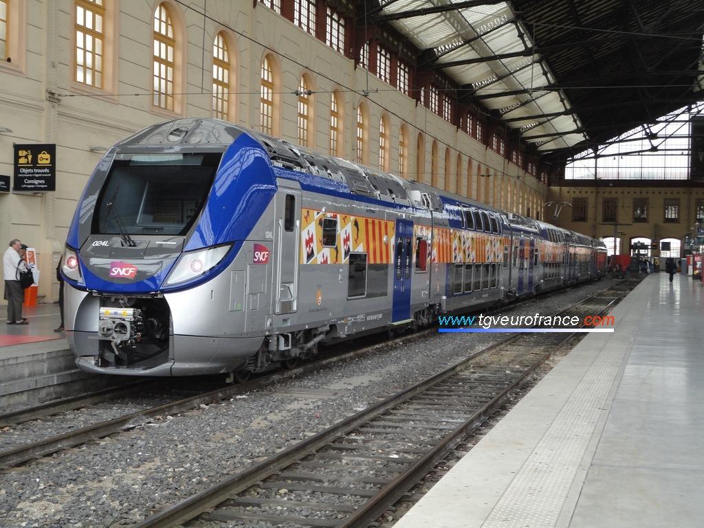 Une automotrice Regio 2N construit par Bombardier Transport à Marseille Saint-Charles