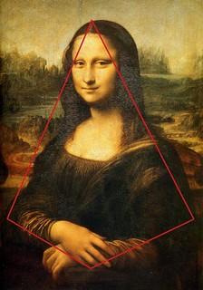 mona-pyramid