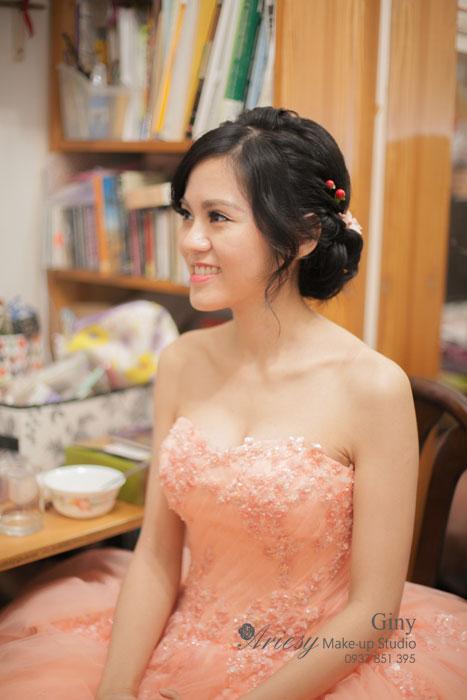 Giny,台北新娘秘書,愛瑞思造型團隊,甜美造型,鮮花造型,黑髮新娘,清透妝感,新秘推薦,新娘髮型,訂婚造型