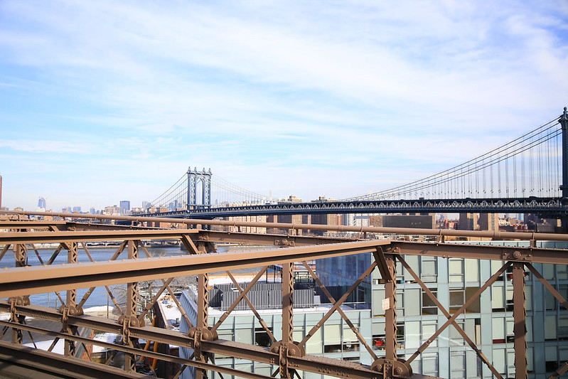 view manhattan brigde from brooklyn bridge