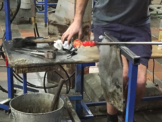 Making glass at Simon Pierce