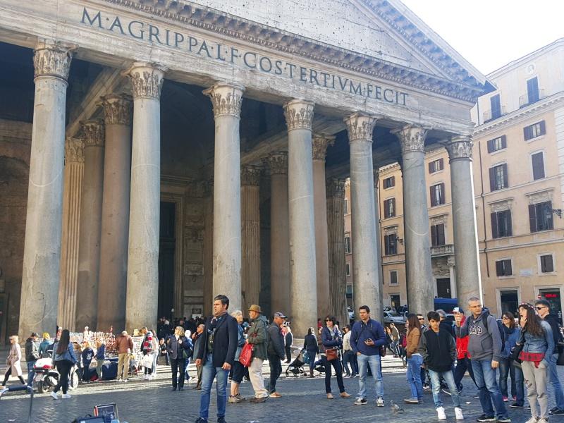 Pantheon opera singer