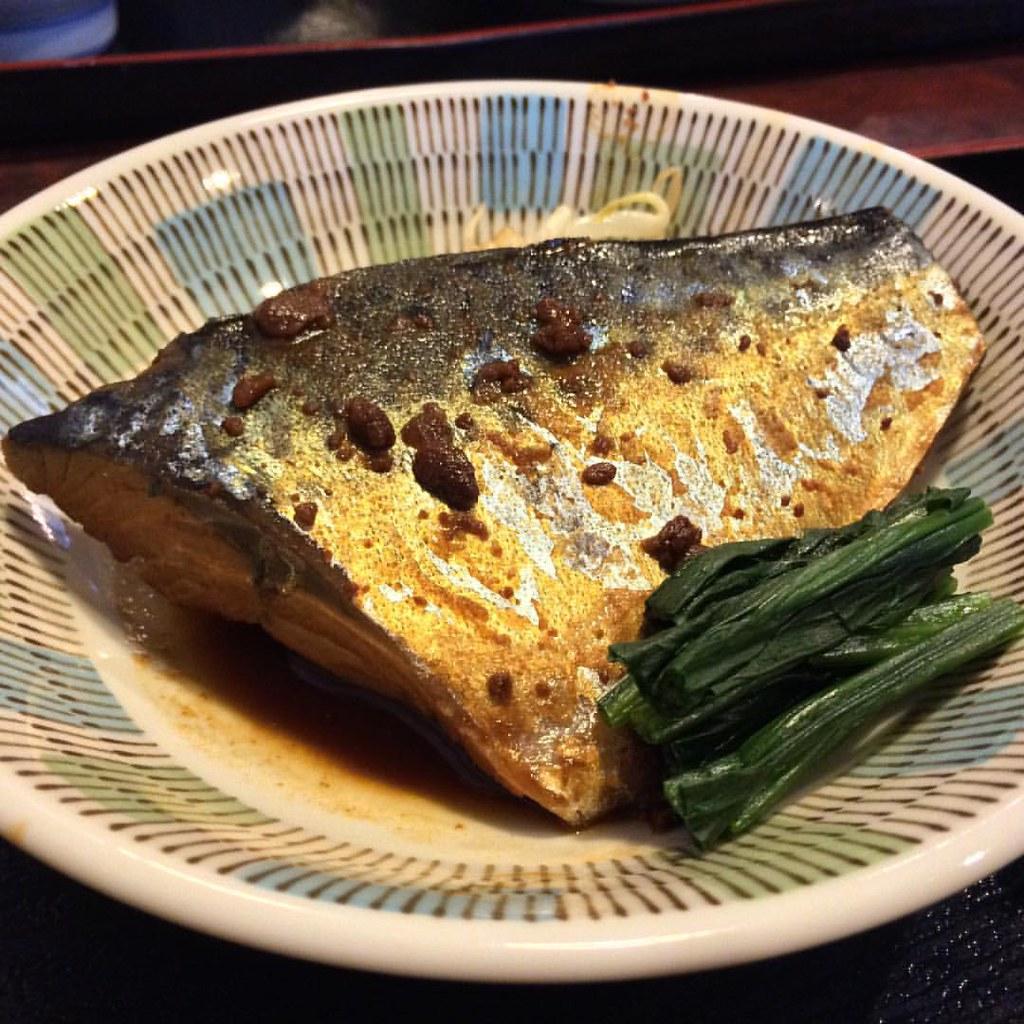 おまかせ昼御飯、鯖の味噌煮🐟  Saba no misoni. #lunch #mackerel