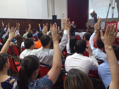 is Assembleia aceita proposta e encerra greve 11102013