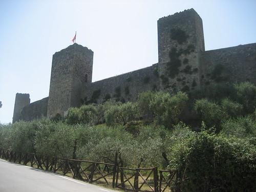 Monteriggioni: the external walls