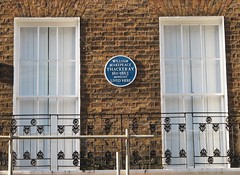 Photo of William Makepeace Thackeray blue plaque