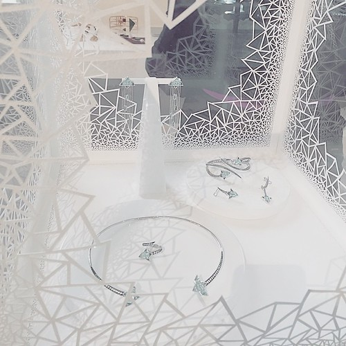 Eshvi Jewelry Inside Paper Cut Cube