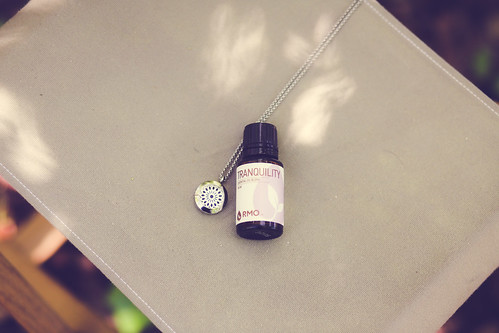 The benefits of wearing a diffuser necklace and how to use one